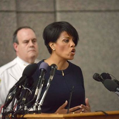 "Mayor Stephanie Rawlings-Blake speaks to the media at a news conference on the death of Freddie Gray in Baltimore, Monday, April 20, 2015. Baltimore's top police officials, mayor and prosecutor sought to calm a ""community on edge"" Monday while investigating how Gray suffered a fatal spine injury while under arrest. Six officers have been suspended, but investigators say they still don't know how it happened. (Kevin Richardson/The Baltimore Sun via AP)"