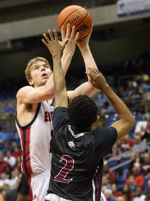 Veterans Memorial's Will Chayer takes the ball to the basket against Mansfield Timberview during the Class 5A state semifinal on Thursday, March 9, 2017, at the Alamodome in San Antonio.