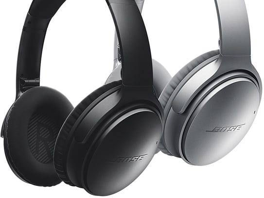 Bose¨ QuietComfort¨ 35 Wireless headphones.