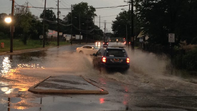 Flooding in the 600 block of New Castle Ave.