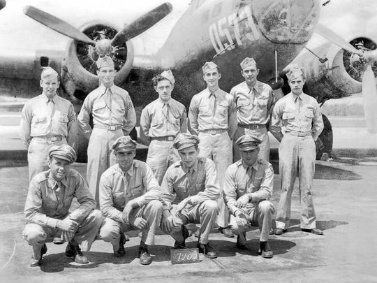 Melvin Friend (back row 3rd from the left) with his B-17 crew shortly before they were deployed to England.