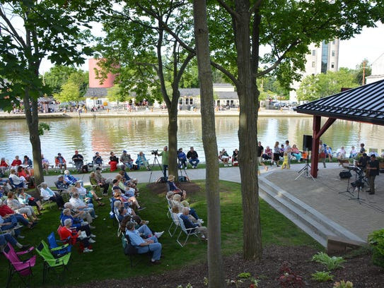 Doug Stone concert shows families and community members
