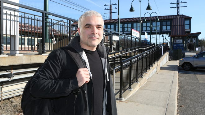 Columnist Dan Bova says his morning ritual involves falling asleep on his train to Grand Central Station.