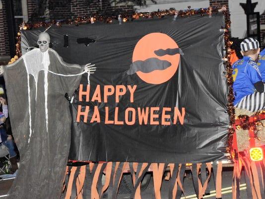 636133793476489830-14-CGO-1029-Halloween-Parade.JPG