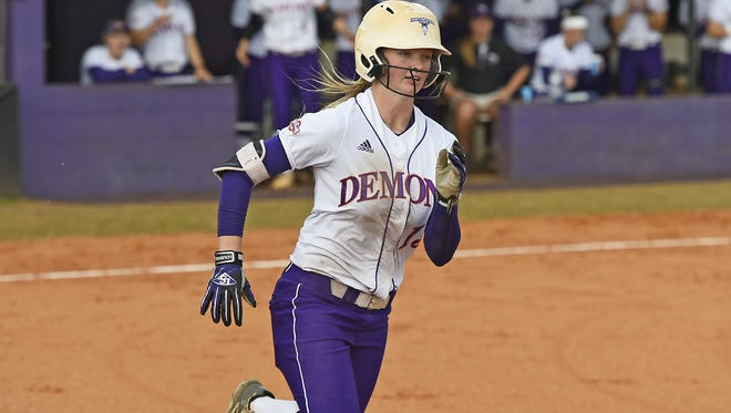 Julie Rawls, who played the last two seasons at Northwestern State, will join the Ragin' Cajuns for the 2019 season.
