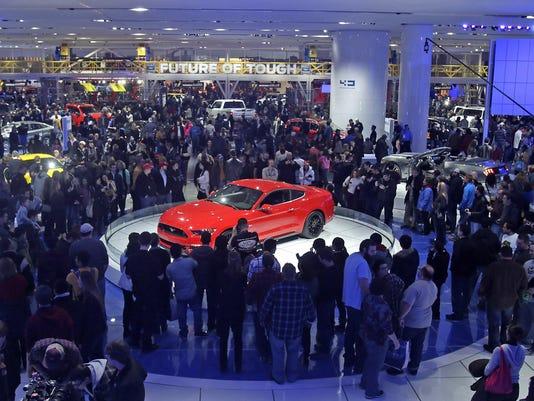 635724773901340093-Detroit-auto-show-2014