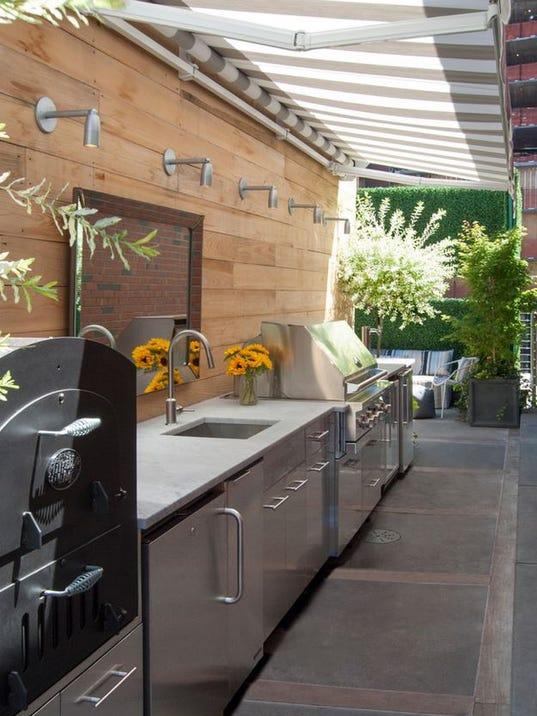 outdoor kitchen.JPG