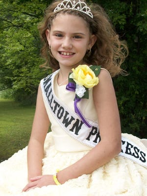 The 2014 Small Town USA Princess was Kiana Schraufnagel, daughter of Eric and Karina Schraufnagel of Rogersville Road in Fond du Lac. Kiana sold 360 tickets. 2017's Small Town USA Prince or Princess will be named Sunday during Van Dyne's annual event.