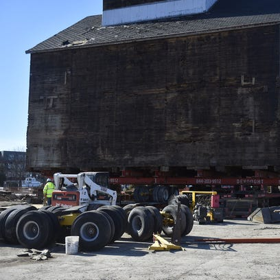 City approves move of 30-foot-tall granary across bridge to new Sturgeon Bay home