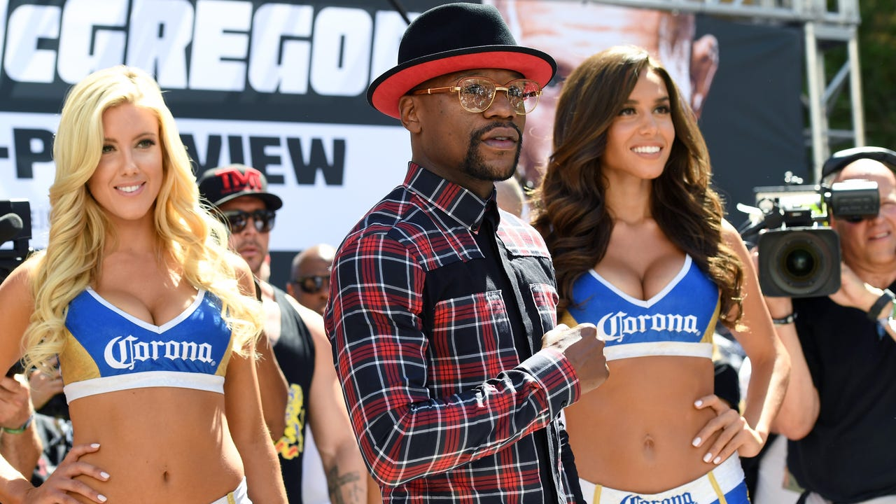 The fighters arrived in Las Vegas ahead of their highly-anticipated fight.