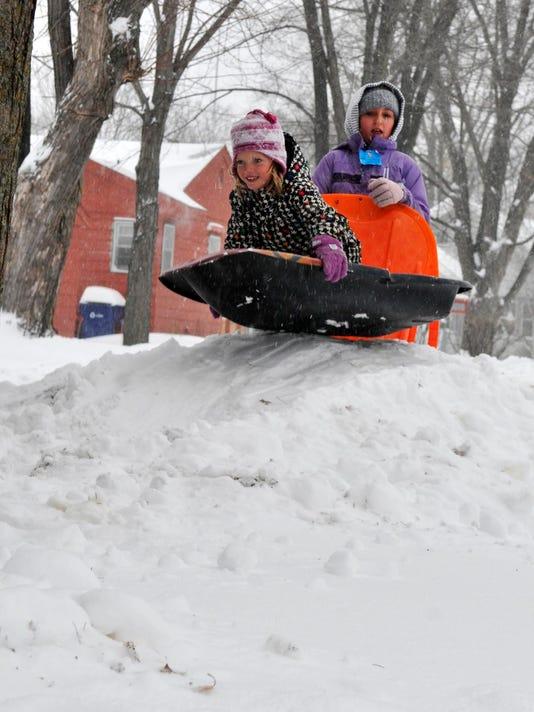 stc 1111 snow sledders.jpg