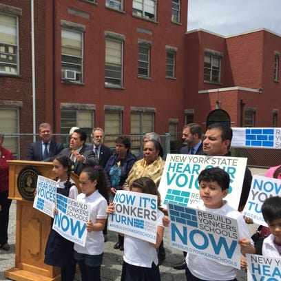 Students and Yonkers officials rally at School 17.