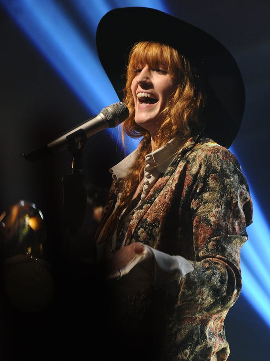 5 things to know about Florence Welch on tour