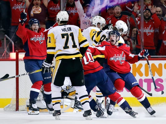 Penguins_Capitals_Hockey_47100.jpg
