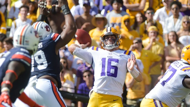Quarterback Danny Etling throws a pass as the LSU Tigers take on the Auburn Tigers. Saturday, Oct. 14, 2017.