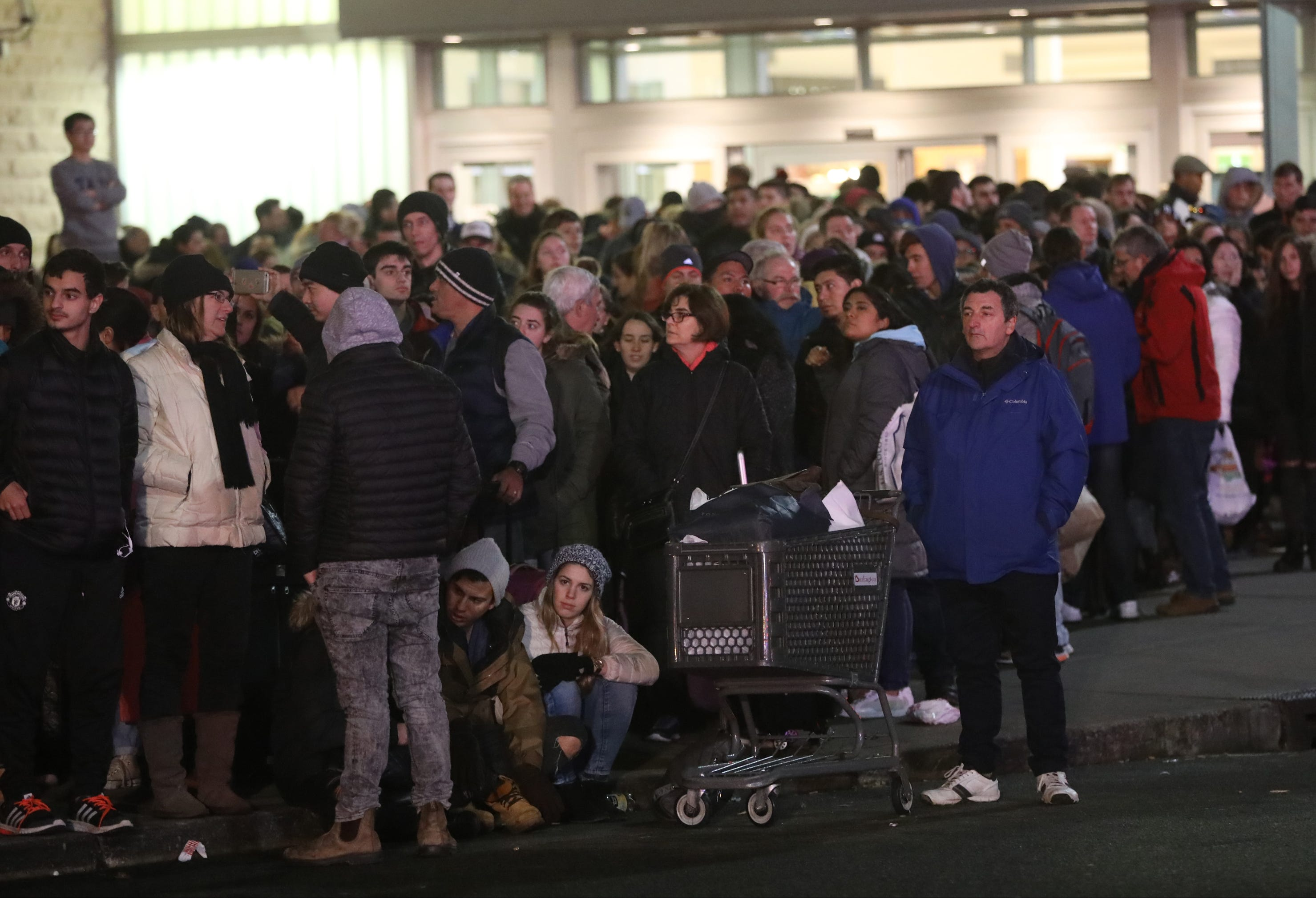 More Than A Thousand People Were Estimated To Be On Line For NJ Transit  Buses After The Jersey Gardens Mall In Elizabeth Was Evacuated On One Of  The Busiest ...