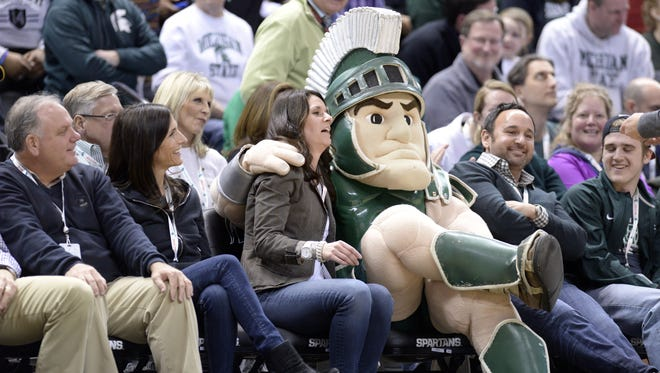 MSU fans are encouraged to bring non-perishable food items and cash to day's MSU-Illinois men's basketball game.
