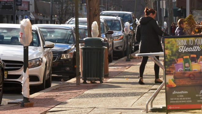 This past Sunday, Nov. 28, Millburn motorists enjoy free parking downtown on Main Street, before the holiday season, due to Complete Streets renovations.  During December, free parking will go into effect in many other Essex County towns.