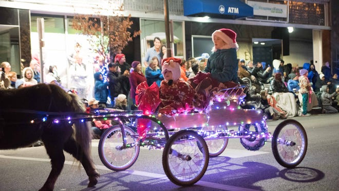 2016 Christmas Parade in Lafayette Indiana