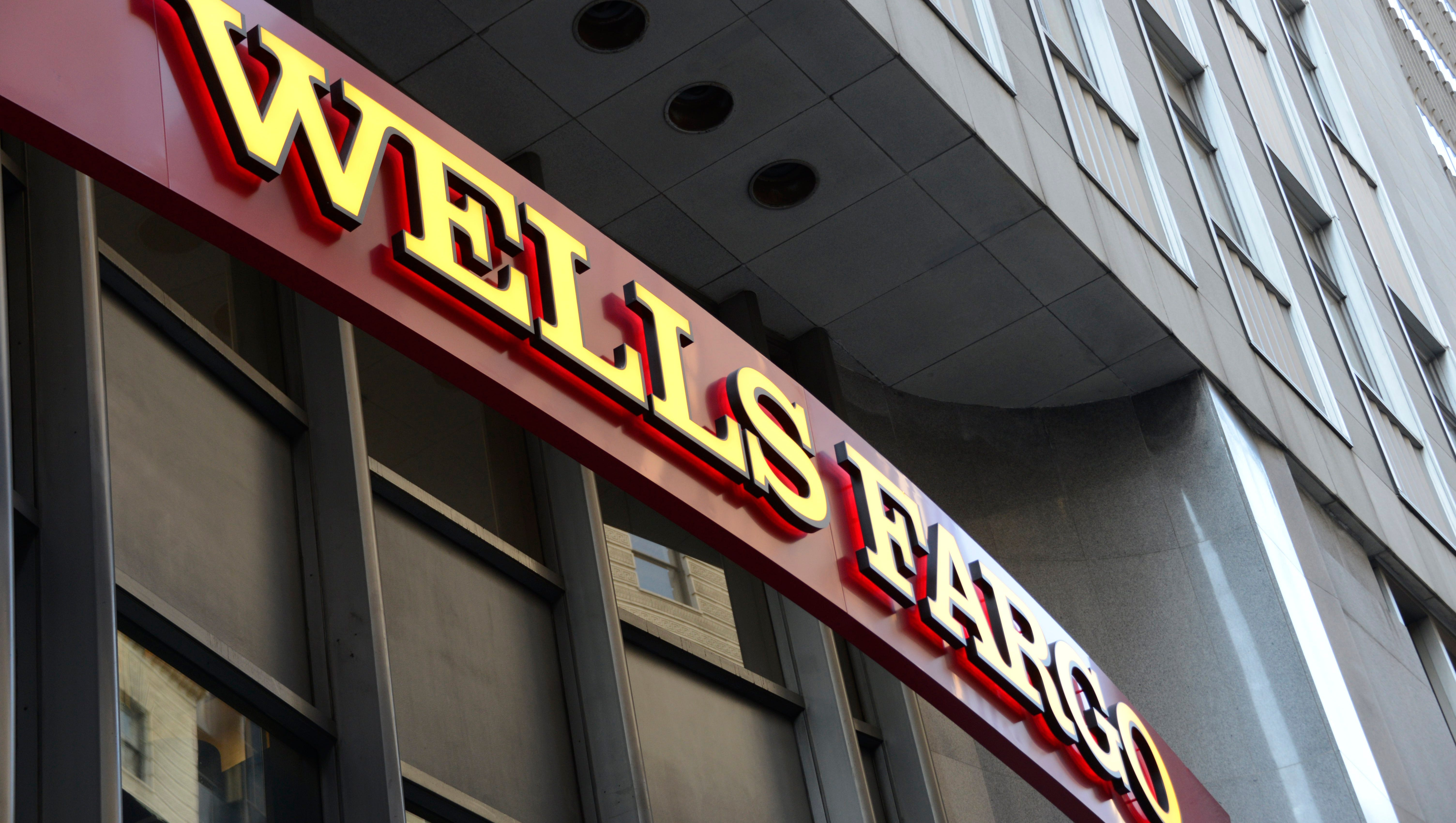 usatoday.com - Kevin McCoy, USA TODAY - Wells Fargo plans 5 percent to 10 percent workforce cut over the next three years