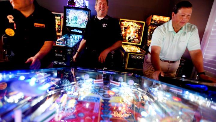 Chris Sockrider (left), Bill Davis and Trey Lankfordare