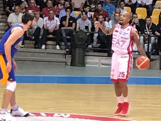 Jordan Theodore playing for Olimpia Milano