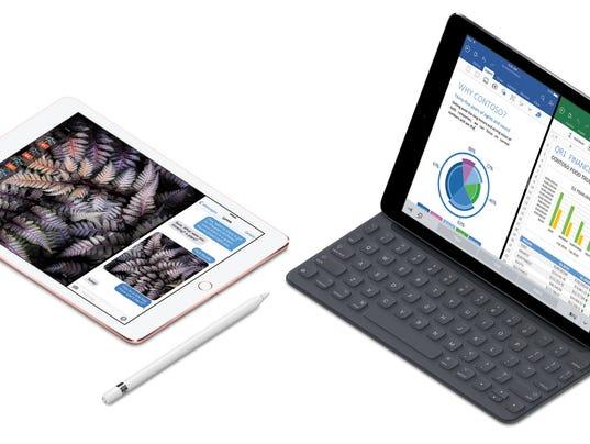 635949330422622930-iPadPro10-ApplePencil-SmartKeyboard-Splitview-PR-PRINT.jpg
