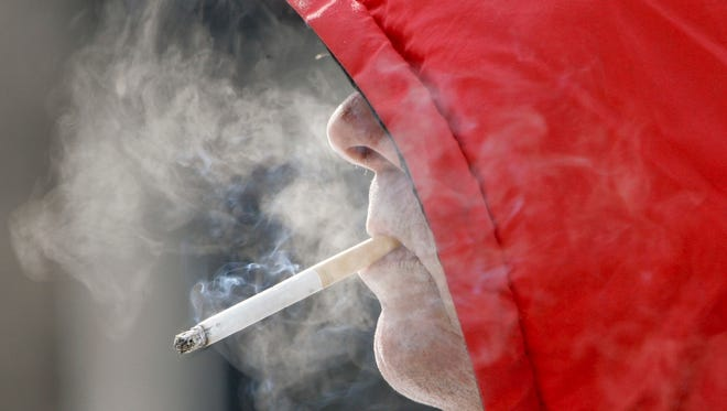 A proposed rule that would ban smoking at Oregon Coast beaches will be discussed at town hall meetings this week.