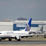 Two United investors waging a proxy fight with the airline company have launched a website to press their case.