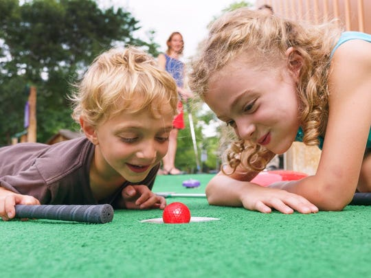 Sciencenter mini-golf teaches lessons about science