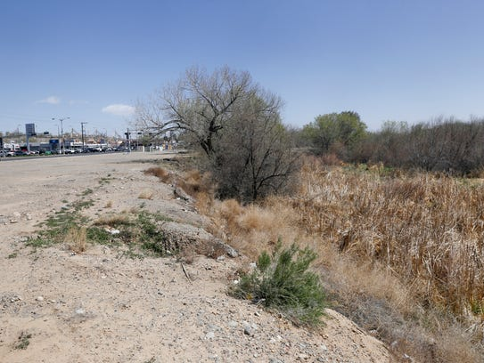 A vacant lot at the intersection of East 20th Street and East Main Street could be developed into a market or recreation space if Farmington Mayor Nate Duckett has his way.