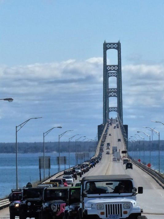 Jeeps take over the Mackinac Bridge