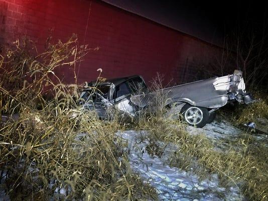 ldn-mkd-010518-railroad truck accident