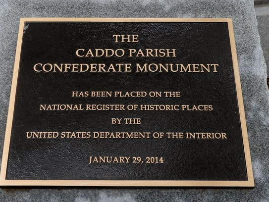 The Caddo Parish Confederate Monument in front of the