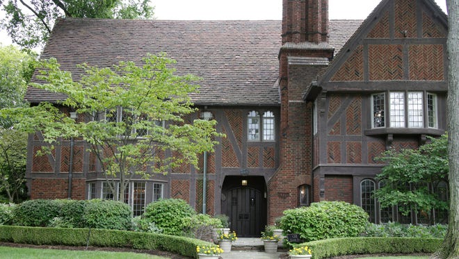 This Grosse Pointe Farms built in 1929 by Walter Briggs.