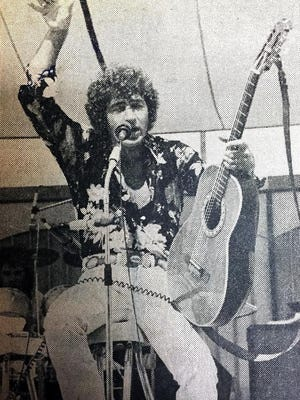 Mac Davis closed the 1974 Heart of Illinois Fair, helping to draw 55,000 visitors on the final day and pushing attendance of the nine-day run to a record 309,610.