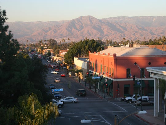 The Downtown exit to Redlands delivers you to a nostalgic time dominated by elegant tree-lined streets and storefronts that speak of gentler times.