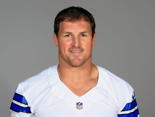 Cowboys_Witten_Football_56651.jpg