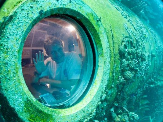 -BCEBrd_06-26-2014_BCE_1_A006~~2014~06~25~IMG_Undersea_Lab_Coustea_3_1_P27P6.jpg