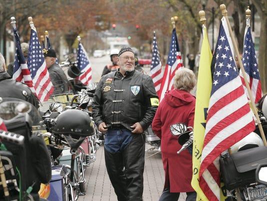-I veterans day 01.jpg_20121104.jpg