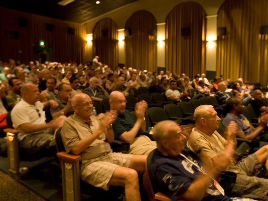 -TDSTab_09-14-2012_Weekend_1_WE003~~2012~09~12~IMG_cinemas_pic_1_1_59283EKK~.jpg
