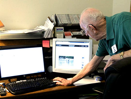 Chaffins attends UA Online classes from his home office.