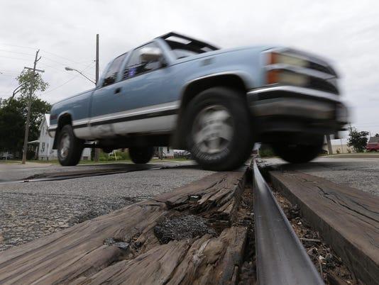 APC RailroadTracks_071615_djp0065