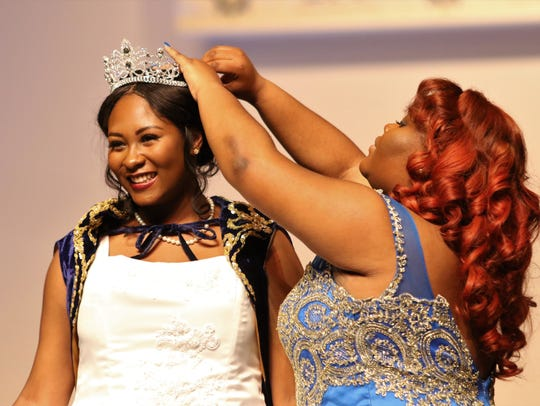 Miss Debutante 2017 Ayanna Campbell crowns Miss Debutante