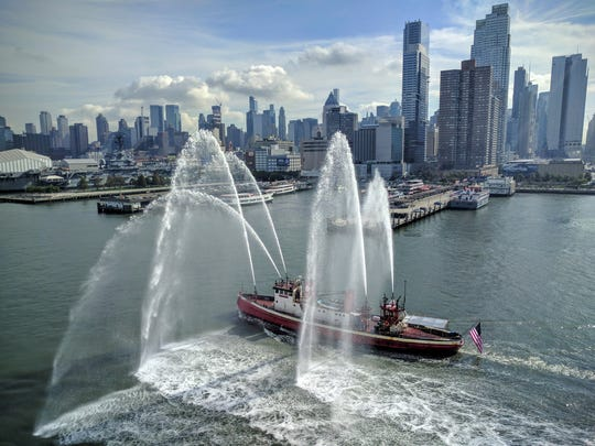 Cruising into Manhattan is always a spectacular experience ... especially if your vessel is getting an inaugural welcome. The Viking Star's first visit to New York City last month brought out a Hudson River escort.