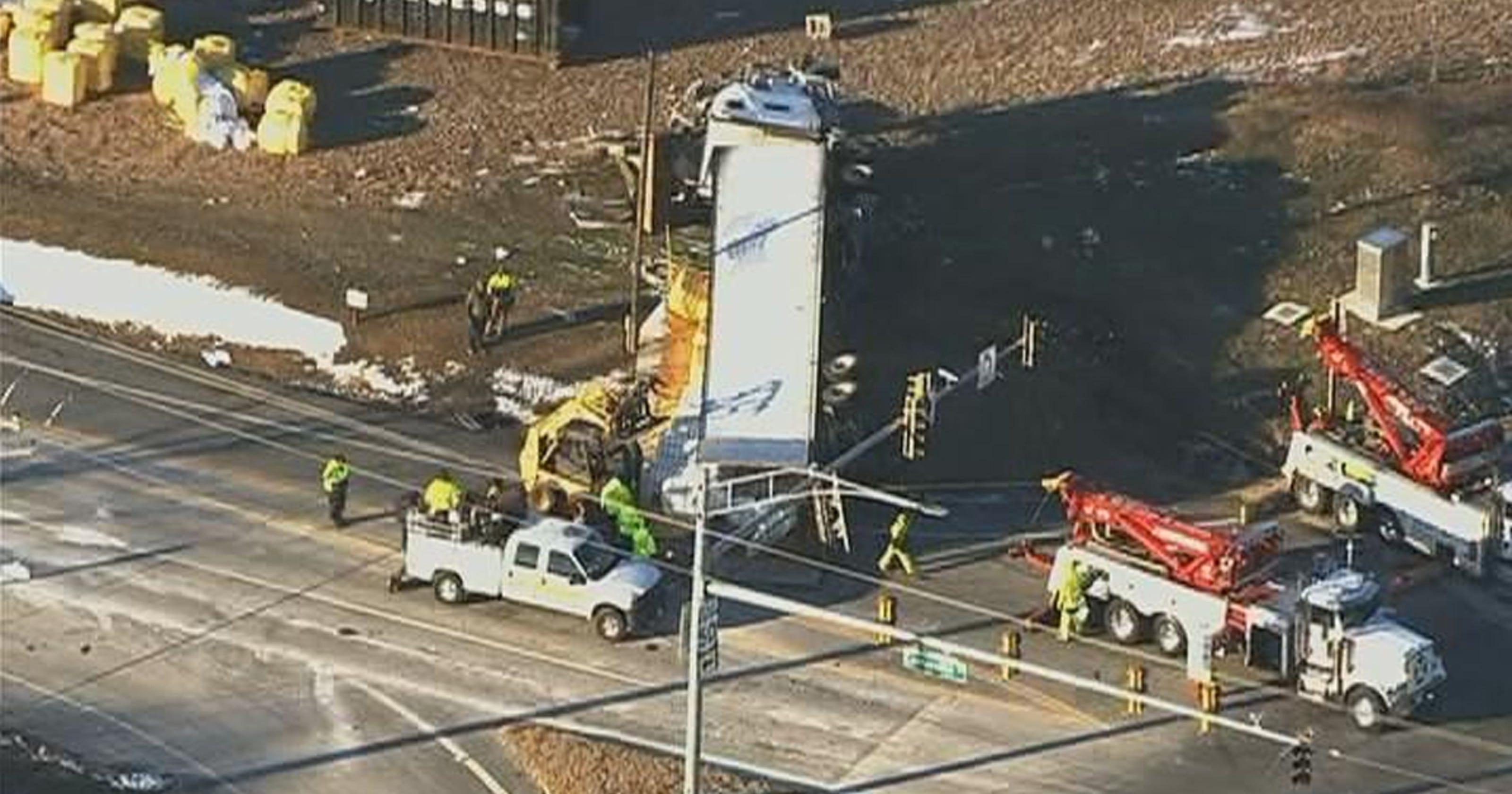 5 killed in Md  crash involving Wilmington truck driver