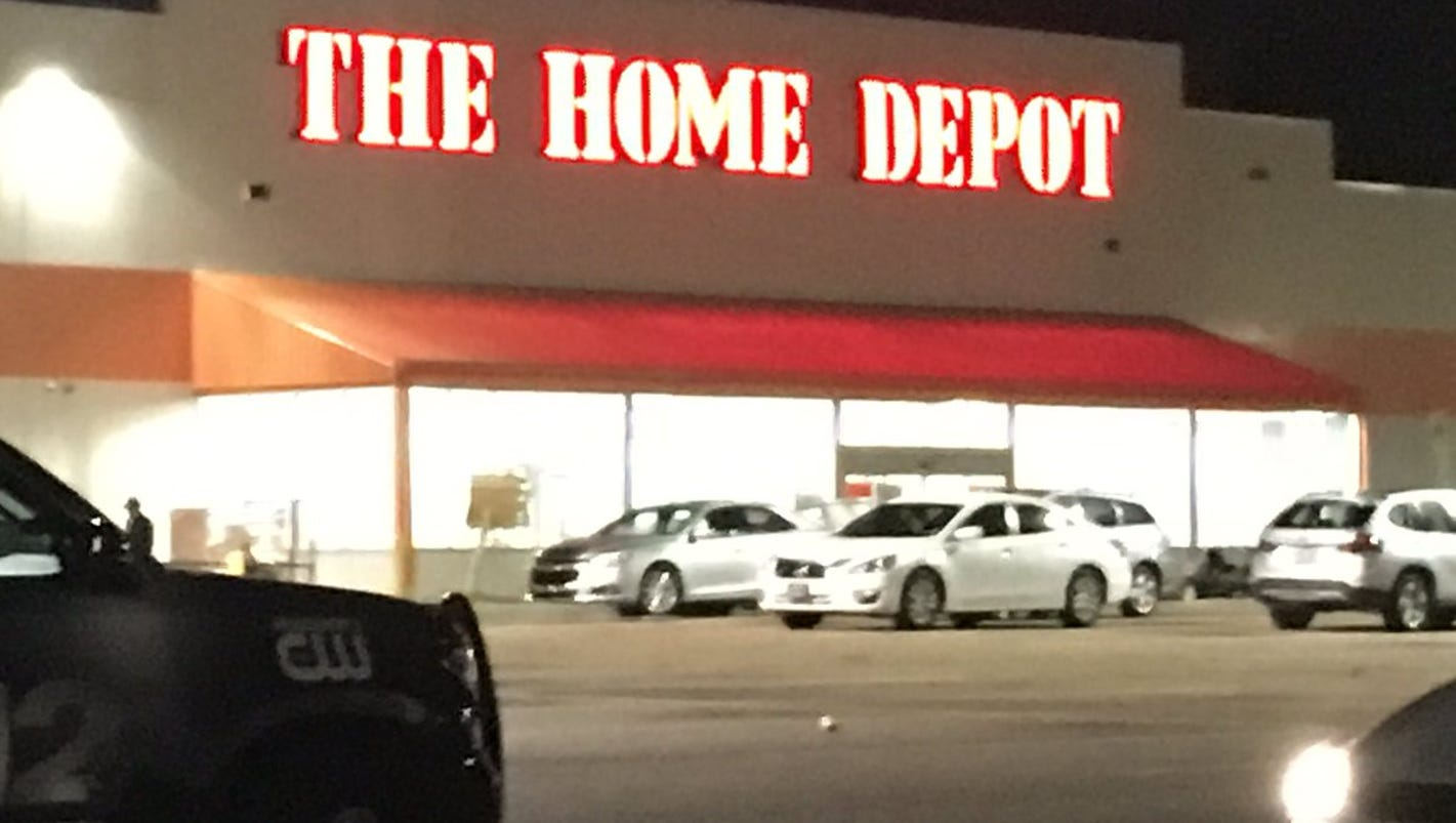 Clinton police investigate 3 simultaneous bomb threats for R home depot