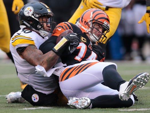 Cincinnati Bengals quarterback Andy Dalton (14) is