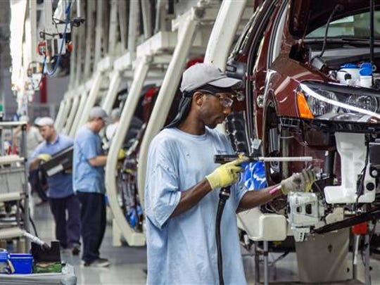 Workers at the Volkswagen Chattanooga plant in 2013.