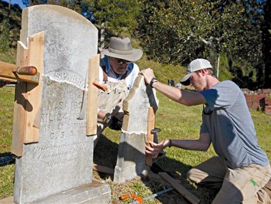 Confederate Gravestones 1.jpg